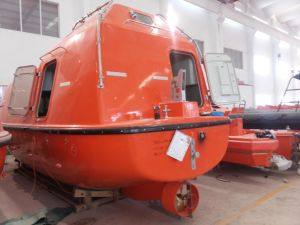 Solas Standard Offshore 50persons Totally Enclosed / Free Fall Lifeboat with Davit Tempsc pictures & photos