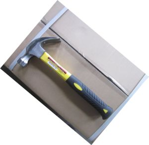 High Quality Hand Tools 20oz Nail Hammer Claw Hammer with Fibreglass Shaft pictures & photos