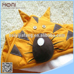 Close Skin Animal Face Hooded Woven Terry Baby Towel pictures & photos