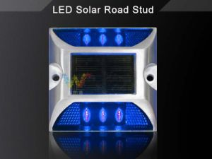 IP68 Ce Approved Solar Power LED Landscape Light Road Stud pictures & photos