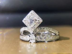 Hot Selling Silver Ring with Cubic Zircon pictures & photos