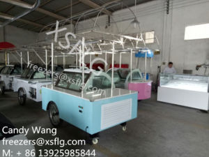 Gelato Cart / Ice Cream Trolley Display Showcase / Italian Gelati Cars Freezers with Wheels for Sale pictures & photos