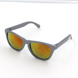 Fashion Black PC Frame Material Summer Style Designer Sunglasses pictures & photos