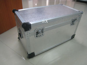 Equipment Case with Handle and Aluminum Cover pictures & photos