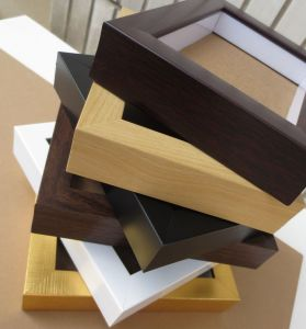 China Factory 4X6 5X7 6X8 8X10 A4 Size Wooden PS MDF Mini Magnetic Picture Frames pictures & photos