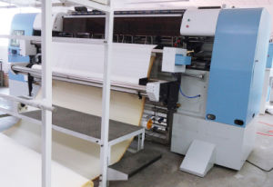 Mattress Computer Non-Shuttle Multi-Needle Quilting Equipment (YXN-94-3C) pictures & photos