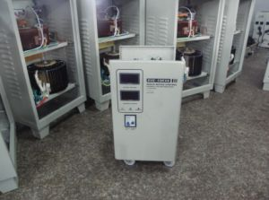 1.5kVA ~90kVA SVC Automatic AC Voltage Regulator (SVC) pictures & photos