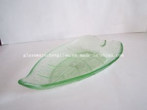Solid Color Boat-Shape Glass Plate (P-014) pictures & photos