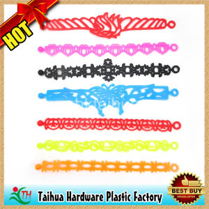 Unique Silicone Hollow Bracelet Wristband for Gifts (TH-6971) pictures & photos
