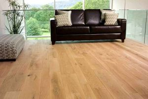 Natural Color Euro Oak Hardwood Floor / Parquet / Engereed Wood Flooring pictures & photos