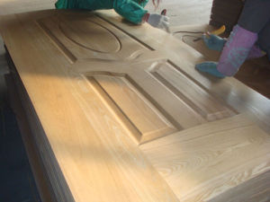Natural Ash Veneer HDF Door Skin pictures & photos