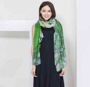 2017 New Style 100% Silk Scarf for Women pictures & photos