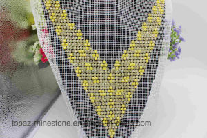 Yellow Round Pearl Beads Sew on Crystal Neckline Applique (TA-019) pictures & photos