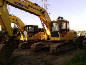 Used Komatsu Crawler Excavator PC200-7 Origianl Japan pictures & photos