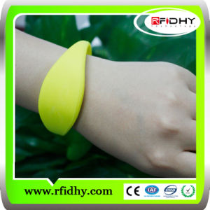 Best Selling Waterproof RFID Access Control Wristband pictures & photos