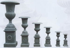 Cast Iron Urn on Base 2-12 pictures & photos