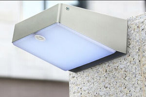 High Bright Solar Motion Wall LED Lamp Light 3.5W pictures & photos