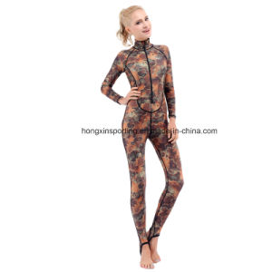 in Stock, Camo Style Long Sleeve Rash Guard (HX-R0069) pictures & photos