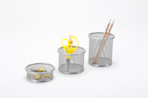 Office Desk Stationery Items/ Metal Mesh Stationery Pencil Holder/ Office Desk Accessories pictures & photos