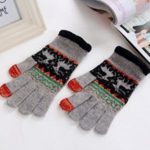 2017 Hot Sale Jacquard Reindeer Gloves pictures & photos