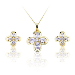 Top AAA+ Zircon Lovely Flowers Jewelry Female 4 Clover Leaf Fashion Jewelry Set Valentine′s Day Gift pictures & photos