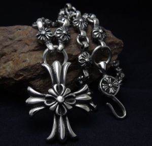 30 Pieces Grains Necklace Titanium Steel with Cross Pendant pictures & photos