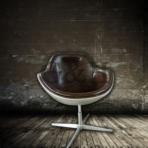 Arne Jacobsen Worldwide Popular Metal Leather Red Egg Chair pictures & photos