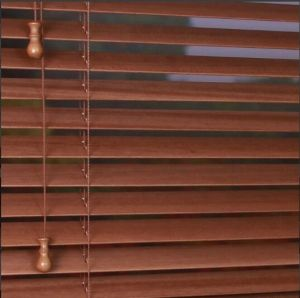 Home Decorating 50mm Basswood Wooden Venetian Window Blinds pictures & photos