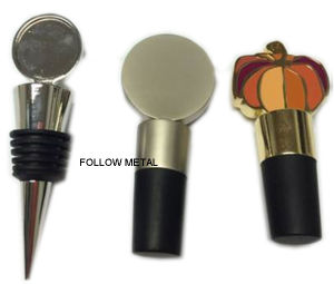 Bottle Stopper Made with Zinc Alloy and Wood pictures & photos
