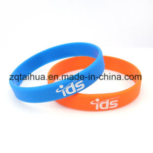 Custom Silicone Wristbands with Color Filled pictures & photos
