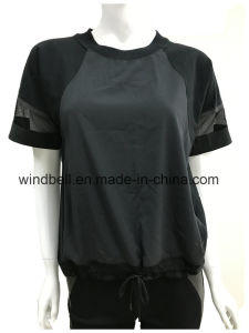 Fashionable Sportswear for Women with Mesh Fabric pictures & photos