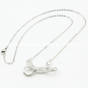 Fashion Lovely Bow Pendant Stainless Steel Necklace pictures & photos
