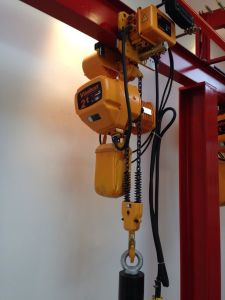 2t High Speed 3 Phase Electric Chain Hoist with Trolly 200-460V pictures & photos