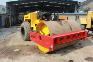 12~25ton_Vibrating-Capacity Used Smooth-Single-Drum 10ton Sweden-Make Aircooled-Deutz-Engine Dynapac Ca25D Road Roller pictures & photos