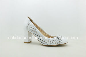 2017 Fashion Design Medium Heel Leather Lady Shoes pictures & photos