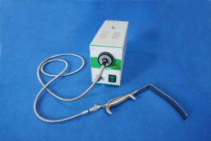 Surgical LED Cold Light Source with Breast Retractor pictures & photos
