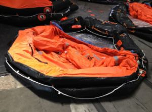 Solas 25persons Throw-Overboard Inflatable Life Raft with Cradle pictures & photos