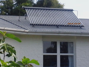 Europe Popular Split Solar Water Heater System for Evilladom and House pictures & photos