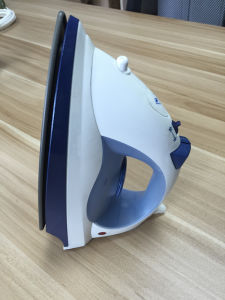 220V Plastic Laundry Steam Iron Electric pictures & photos