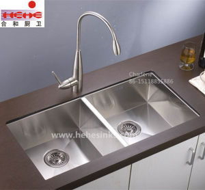 60/40 Undermount Handmade Sink, Handcraft Sink, Stainless Steel Kitchen Sink (HMSD2919L) pictures & photos