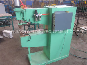 High Quality Pneumatic Spot Welding Machine pictures & photos