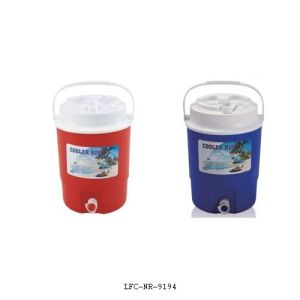Portable Plastic Cooler Box, Food Cooler Box, Lunch Cooler Box pictures & photos