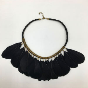 Fashion Feather Pendant Necklace Alloy Jewelry pictures & photos