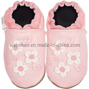 Small Flowers Baby Leather Shoes pictures & photos
