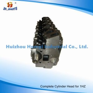 Car Parts Complete Cylinder Head/Assy for Toyota 1Hz 1HD 11101-17010 pictures & photos