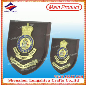 Wooden Shield Gold Plated Die-Casting Engravable Home Decor Plaque pictures & photos