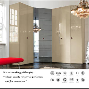 Modern New High Glossy UV Sliding Door Wardrobe (ZH0002) pictures & photos