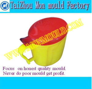 Plastic Injection Children Water Flip Cup Mold Manufacture pictures & photos