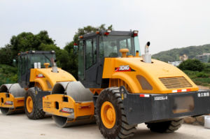 New Single Drum Vibratory Roller (XS202) pictures & photos