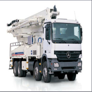 Zoomlion 40m Truck-Mounted Concrete Pump pictures & photos